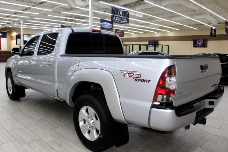 Toyota Tacoma 2011 price $15,995