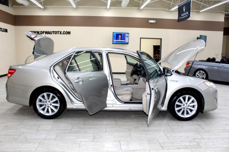 Toyota Camry Hybrid 2013 price $11,995
