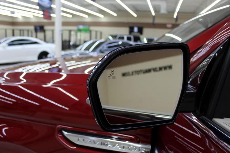 Lincoln Navigator 2018 price $49,995