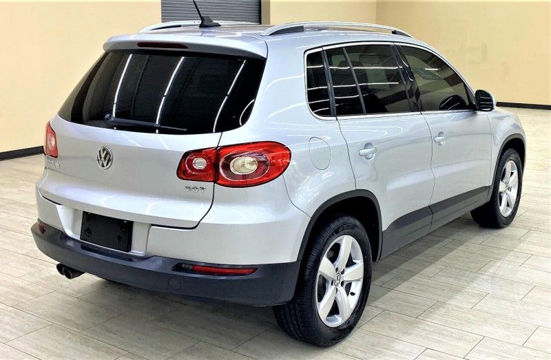 Volkswagen Tiguan 2010 price $9,988