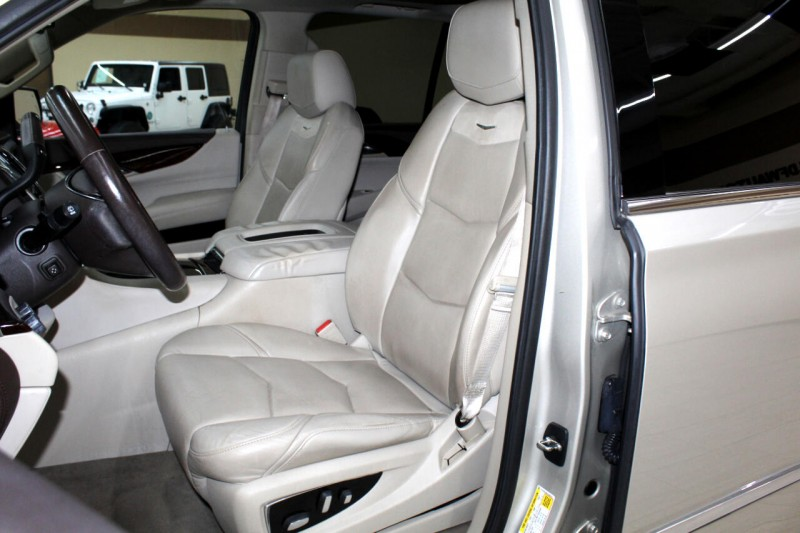 Cadillac Escalade 2015 price $31,995