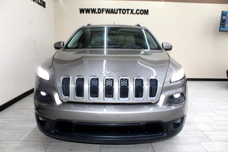 Jeep Cherokee 2017 price $15,995