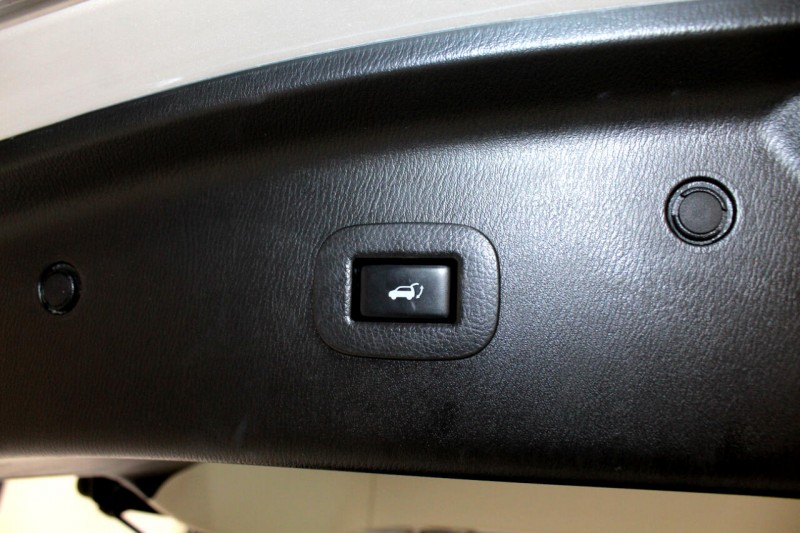 Infiniti QX56 2013 price $21,995