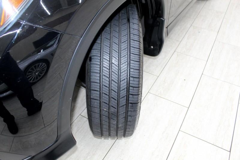Honda CR-V 2012 price $13,995