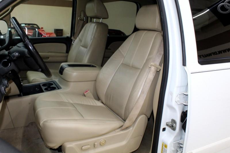 Chevrolet Suburban 2007 price $8,995