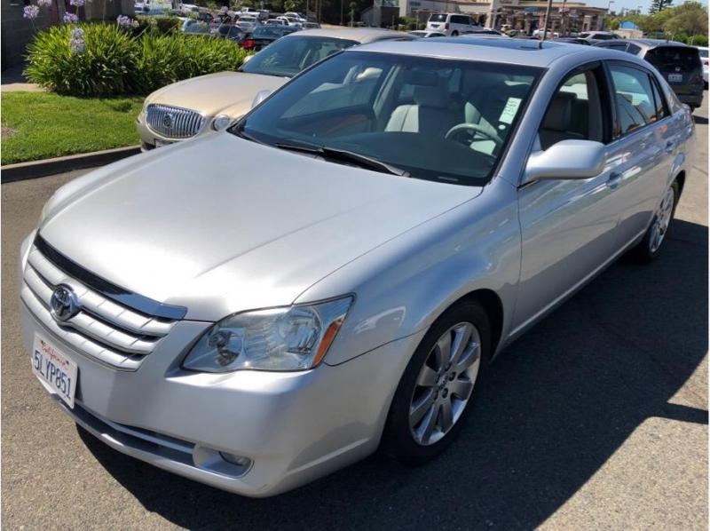 Toyota Avalon 2005 price $7,995