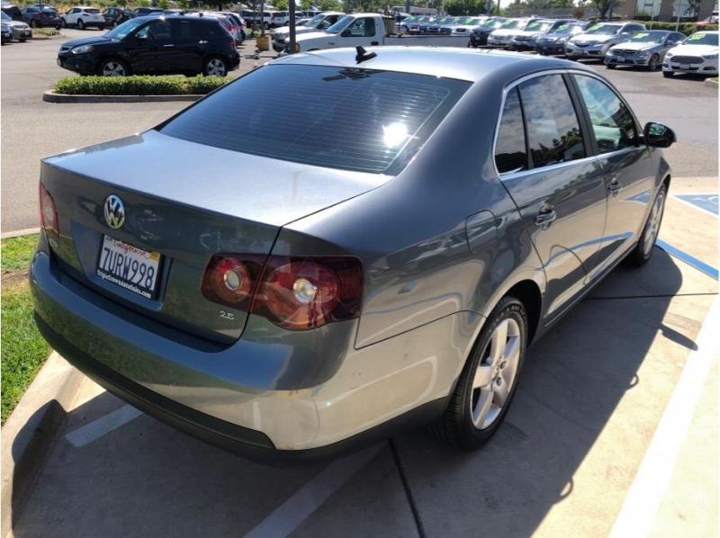 Volkswagen Jetta 2009 price $6,995