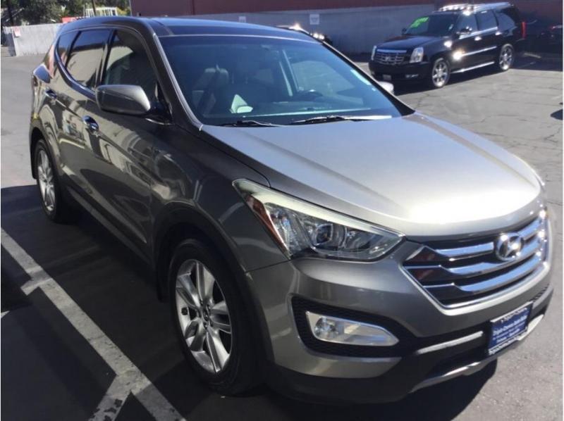 Hyundai Santa Fe Sport 2013 price $13,995