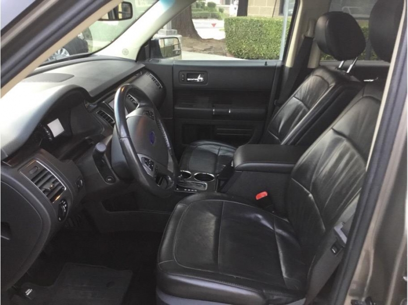Ford Flex 2013 price $12,995