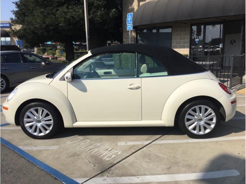 Volkswagen New Beetle 2008 price $9,995