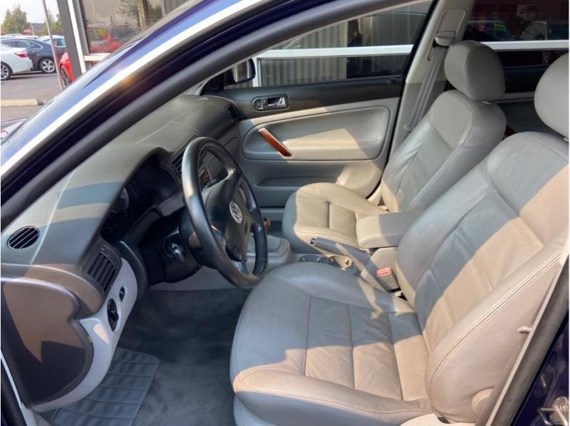 Volkswagen Passat 2003 price $4,995