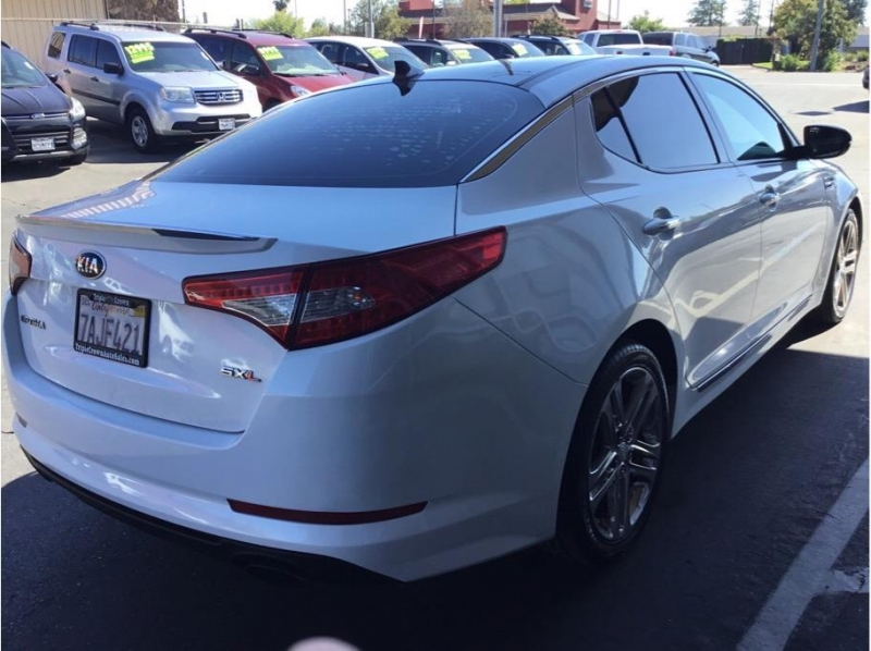 Kia Optima 2013 price $10,995