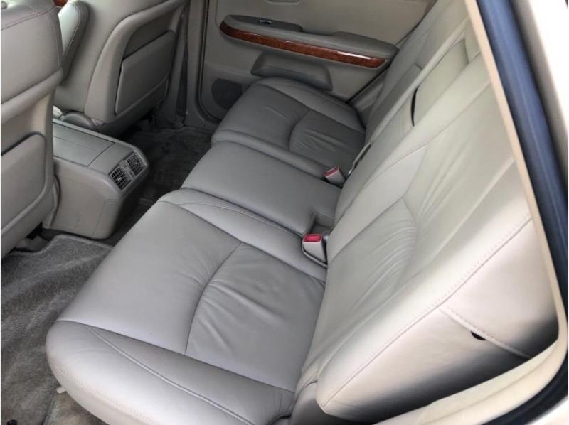 Lexus RX 2006 price $9,995
