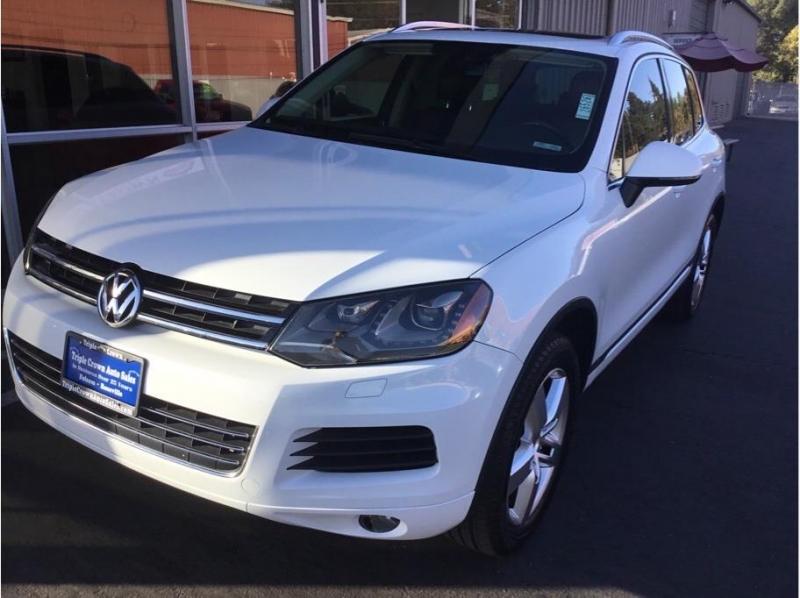 Volkswagen Touareg 2013 price $15,995