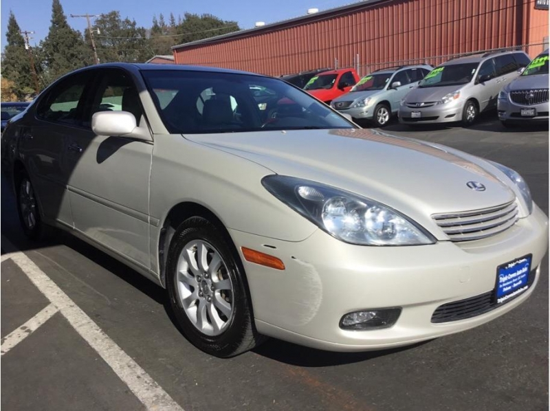 Lexus ES 2004 price $7,995