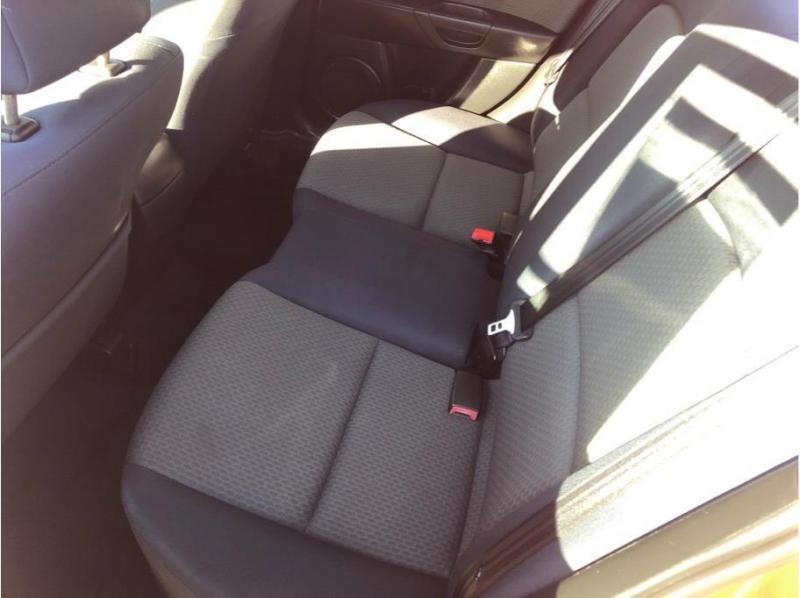 Mazda MAZDA3 2005 price $5,995