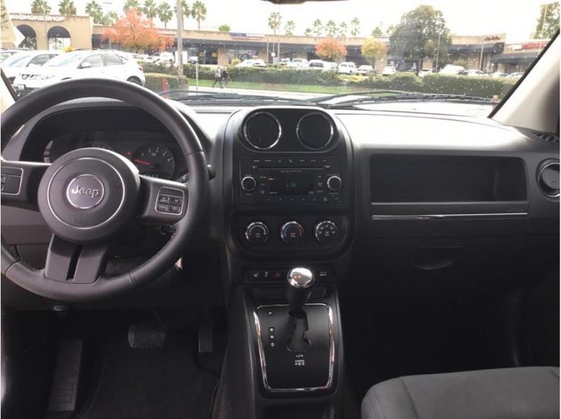 Jeep Compass 2013 price $8,995