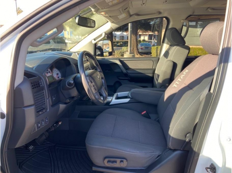 Nissan Titan Crew Cab 2014 price $19,995