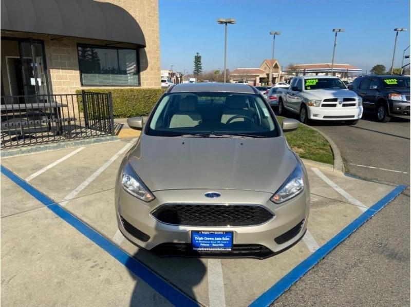 Ford Focus 2018 price $8,995