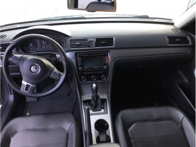 Volkswagen Passat 2014 price $8,995