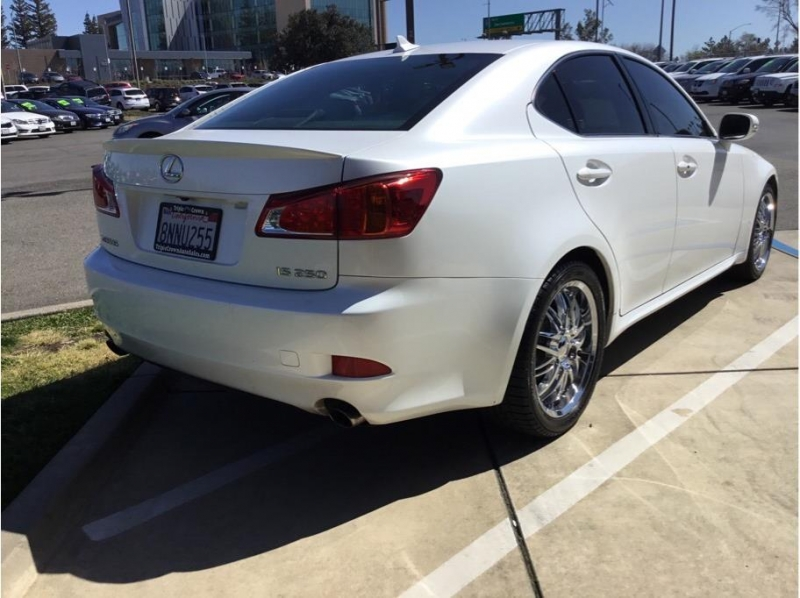 Lexus IS 2010 price $10,995