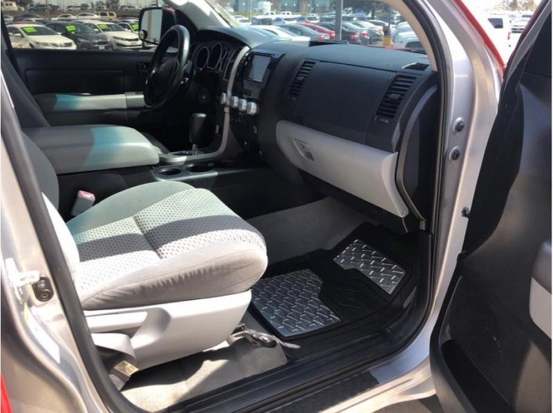 Toyota Tundra CrewMax 2010 price $17,995
