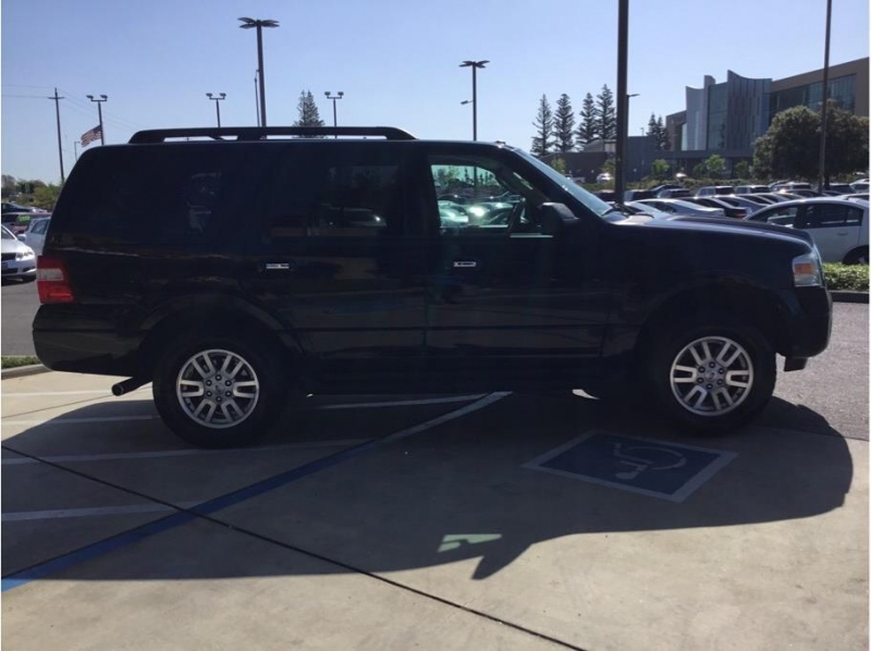 Ford Expedition 2011 price $17,995