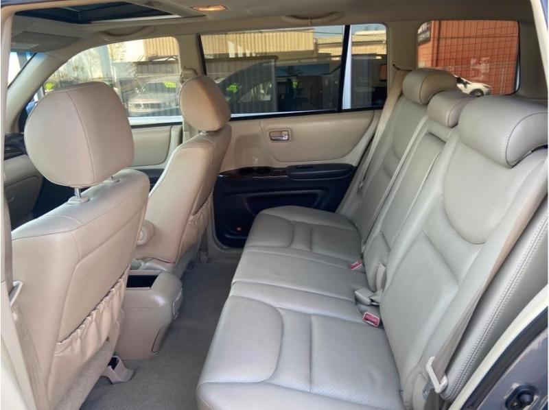 Toyota Highlander 2002 price $9,995