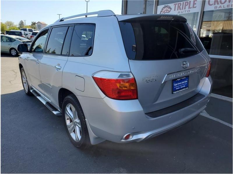 Toyota Highlander 2009 price $12,995