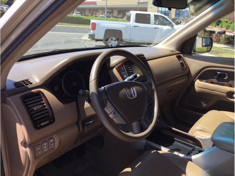 Honda Pilot 2006 price $11,995