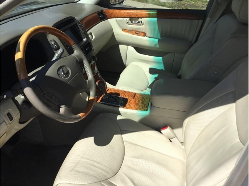Lexus LS 2005 price $10,995