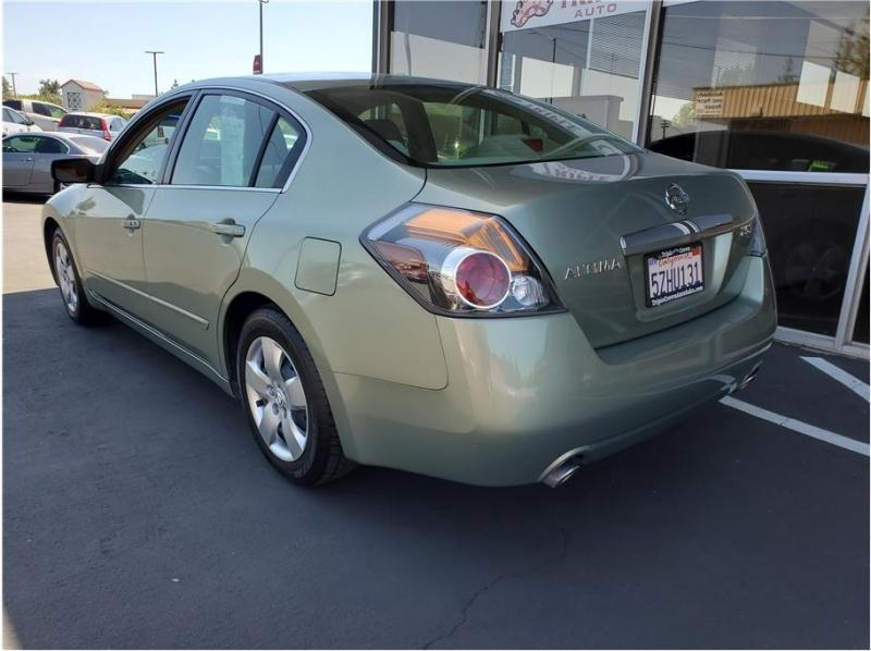 Nissan Altima 2007 price $4,995