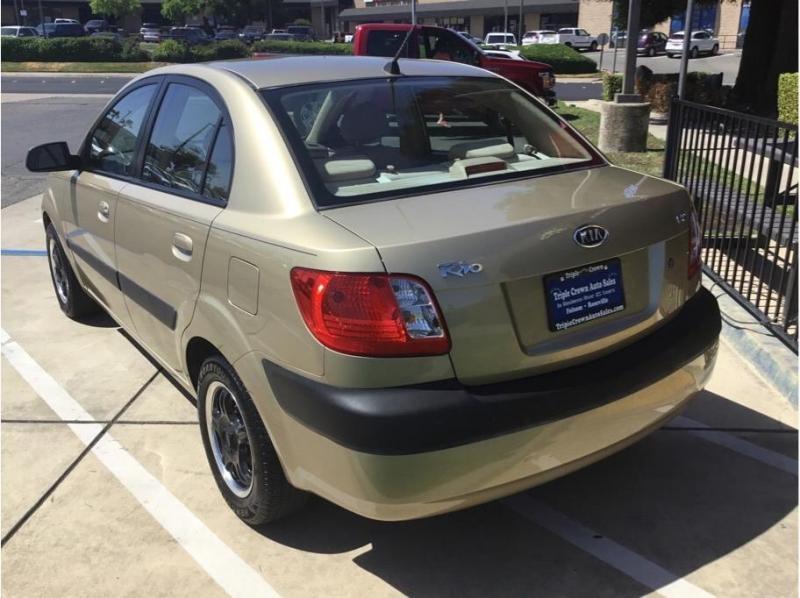 Kia Rio 2006 price $5,995