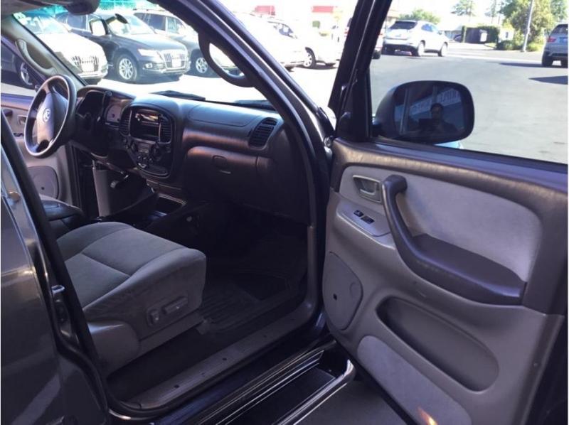 Toyota Sequoia 2003 price $10,995
