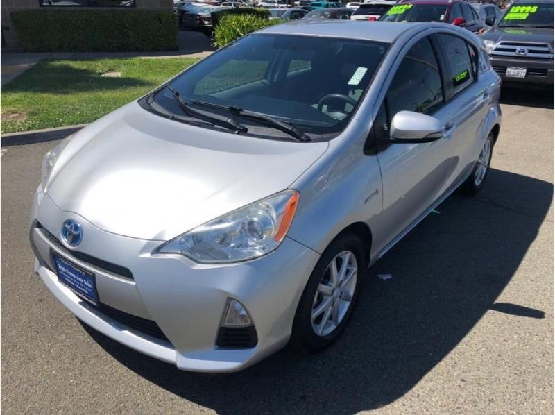 Toyota Prius c 2013 price $9,995