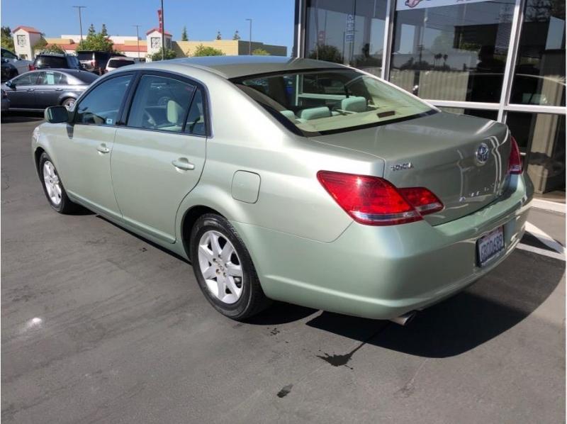 Toyota Avalon 2007 price $8,995