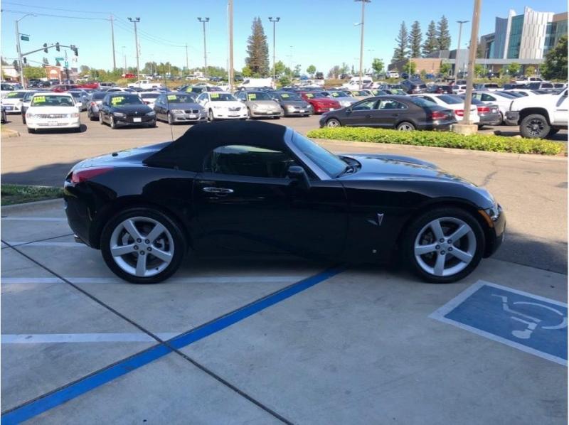 Pontiac Solstice 2007 price $11,995