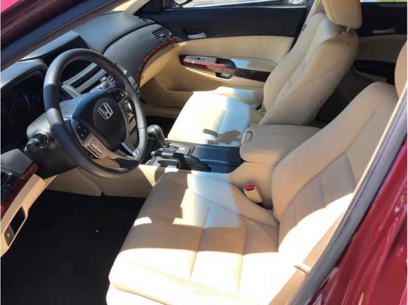 Honda Crosstour 2012 price $14,995