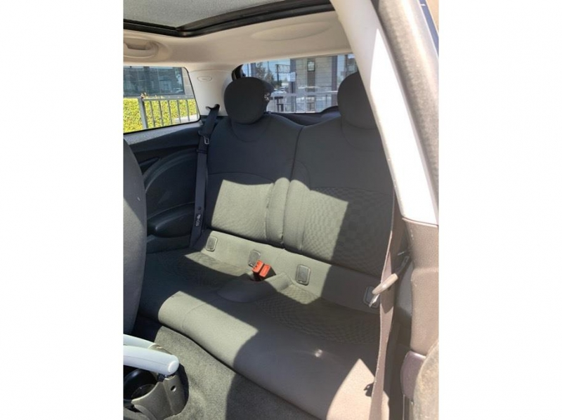 MINI Hardtop 2010 price $7,995