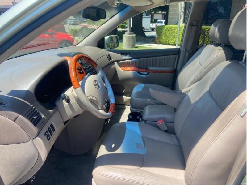 Toyota Sienna 2006 price $12,995