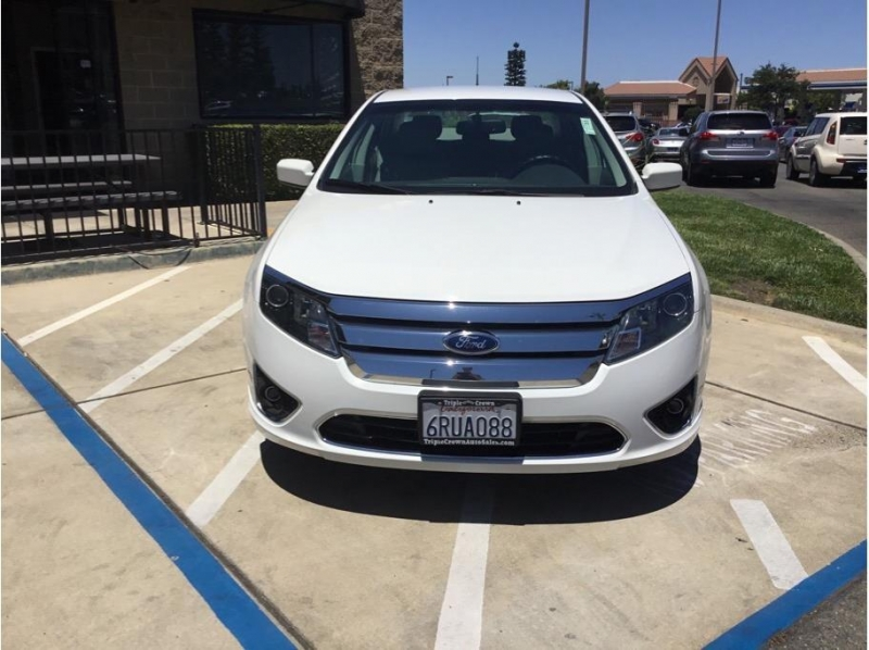 Ford Fusion 2011 price $9,995