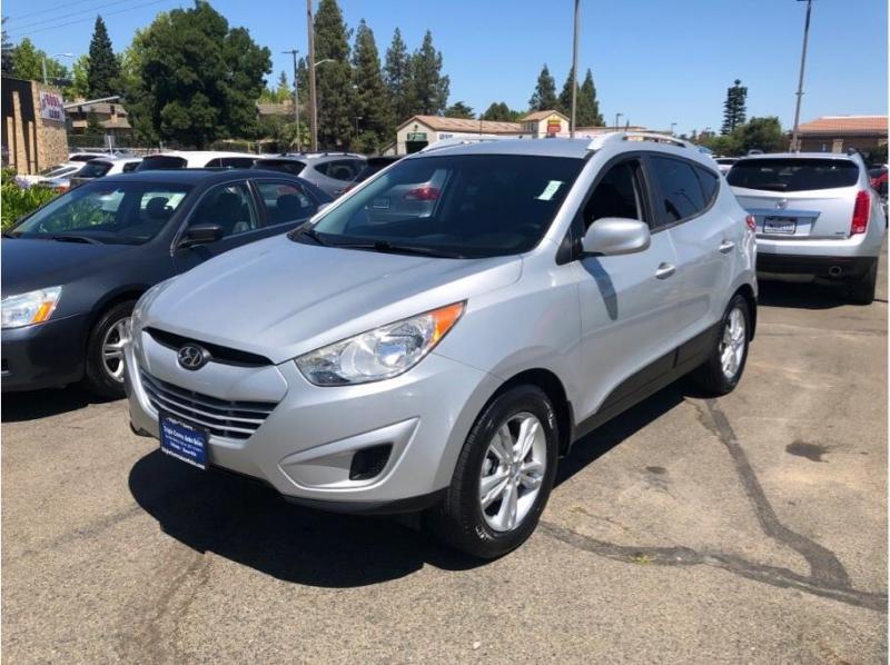 Hyundai Tucson 2010 price $8,995