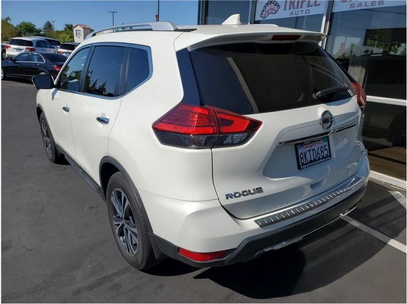 Nissan Rogue 2017 price $22,995