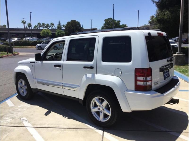 Jeep Liberty 2010 price $10,995