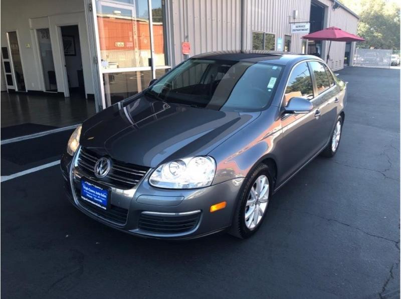 Volkswagen Jetta 2010 price $8,995