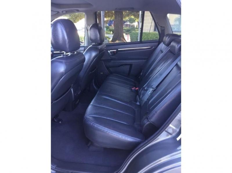 Hyundai Santa Fe 2009 price $9,995
