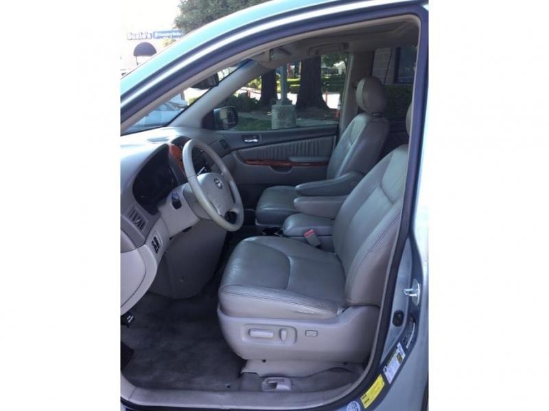 Toyota Sienna 2008 price $9,995