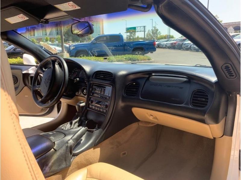 Chevrolet Corvette 2001 price $17,995