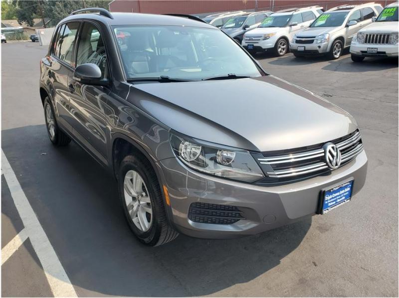 Volkswagen Tiguan 2016 price $12,995