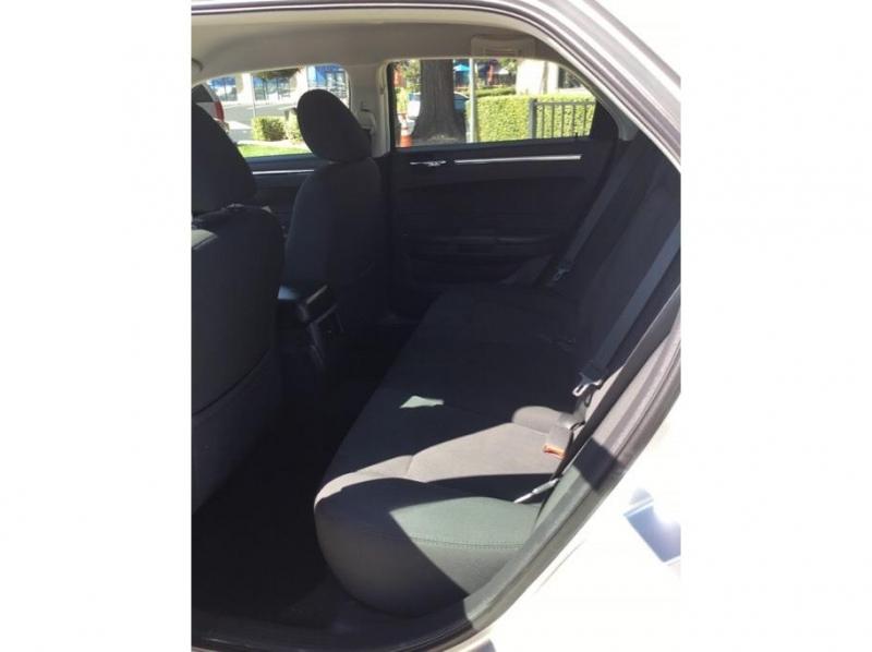 Chrysler 300 2009 price $8,995